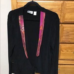 Chico's travelers top Sz 2 black with burgandy